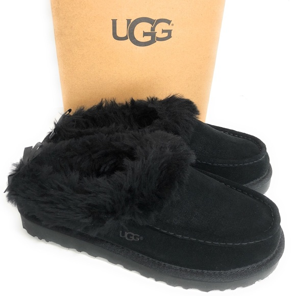97390e225a1 UGG Grove MOCCASIN SLIPPERS **RARE** new with box NWT